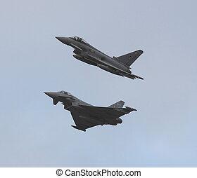 eurofighter typoon - typoons break for landing