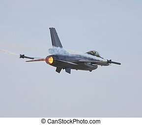 f16 falcon - falcon low  fast pass