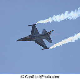 F16 FALCON - f16 flying display