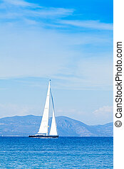 The horizon has no limits - Beautiful hybrid cruising yacht...