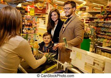 lebensmittelgeschäft, kaufmannsladen, junger, familie