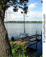 Idyll 001 - A boat at a lake....
