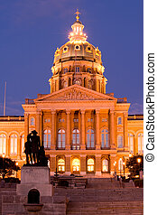 Iowa state capitol - State Capitol with Pioneers sculpture...