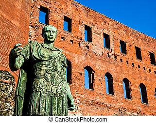 The leader: Cesare Augustus - Emperor - Statue of Cesare...