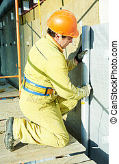 Facade Plasterer at exterior insulation work