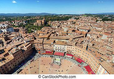 Piazza del Campo, Campo square in Siena, Tuscany, Italy -...