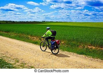 Biker, en, el, manera, de, Santo, James, en, Castilla, Leon,...