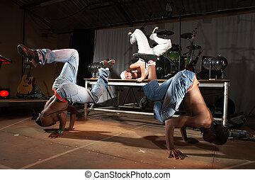 Estilo libre, cadera-salto, bailarines