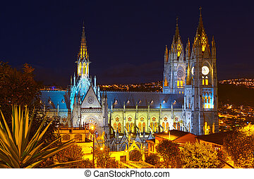 Basilica In Quito - Basilica Of National Vote By Night Quito...