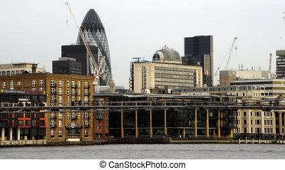 The Millennium Bridge, London - Time lapse