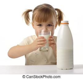 pequeno, leite, menina, bebidas