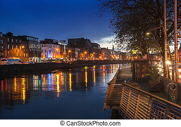 Embankment of Liffey River in Dublin at night - Embankment...