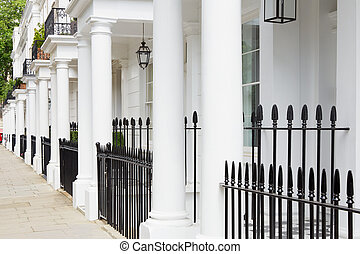 White edwardian houses, London - White edwardian houses in...