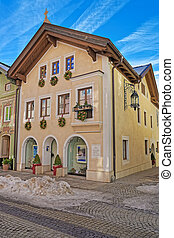 Garmisch-Partenkirchen buildings decorated for Christmas -...