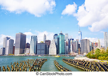 Lower Manhattan - Manhattan skyline seen from Brooklyn...