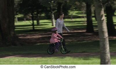 Drive-iTeaching child to ride bicyc