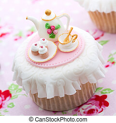 Tea party cupcake - Cupcake decorated with mini sugarpaste...