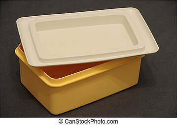Tupperware butter dish (close up)
