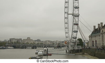 London Wheel on Cloudy Day - London Eye view from the...