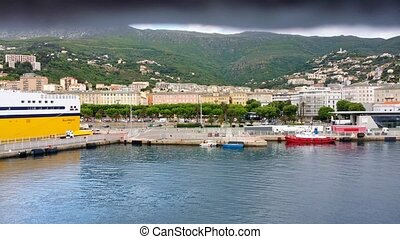 4K, Pan along the cityline of Nizza - Pan along the cityline...