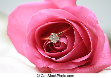 Diamond engagement ring in a pink rose - Solitaire diamond...