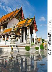 Bangkok Thailand, Wat Suthat Thepwararam Ratchaworamahawihan...
