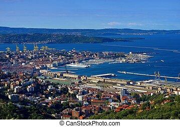 Triest von oben - Trieste aerial view 01