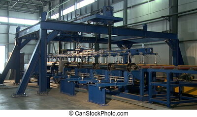 Auto machine moves workpiece for sandwich panel - Automatic...