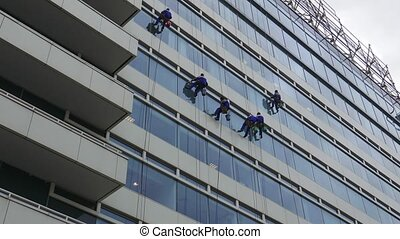 skyscraper window glass cleaners