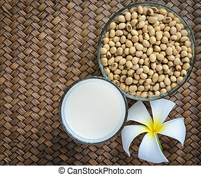 Fresh Soy milk and soybean seeds - Fresh Soy milk (Soya...