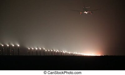 Plane landing in dark - Plane landing in fog at night