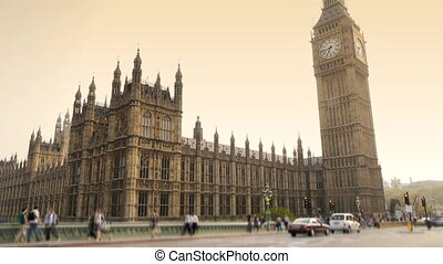 Big ben and houses of parliament in London - Landmark Houses...