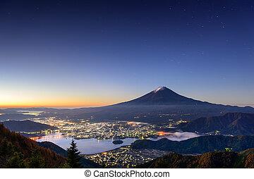 Kawaguchi Lake and Mt Fuji - Kawaguchi Lake, Japan with Mt...