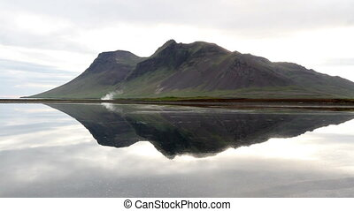 Iceland Lake and mountains Landscap