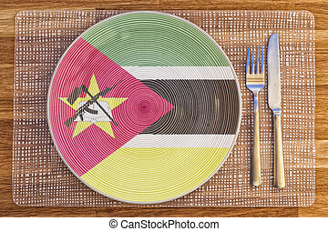 Dinner plate for Mozambique - Dinner plate with the flag of...