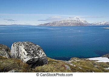 Sermitsiaq mountain - Cloud covered Sermitsiaq mountain seen...