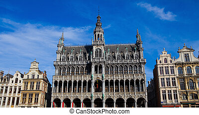 Grand Place in Brussels - Old Houses and the maison du Roi...
