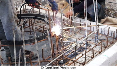 welding metal frame for manhole - welding metal frame for...