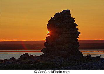 construido, De, piedra, cairn, en, ocaso, en, medianoche,...