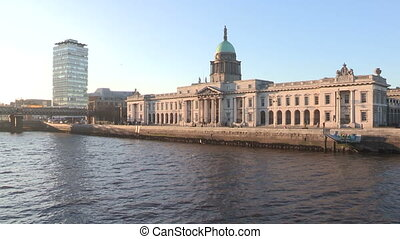 Custom House, Dublin Ireland. - The Custom House is a...