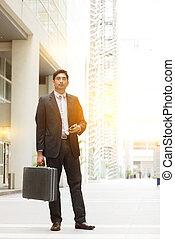 Asian Indian businessman full length - Portrait of fullbody...
