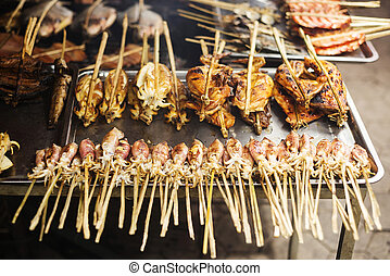 BBQ, Asiático, grelhados, lula, em, kep, mercado, cambodia,