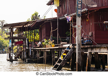 Countryside thai home - Hovels on the riverside in a small...