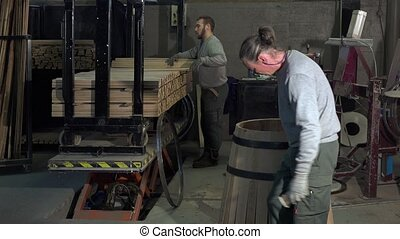 manufacturing wine barrels - alignment of boards and...