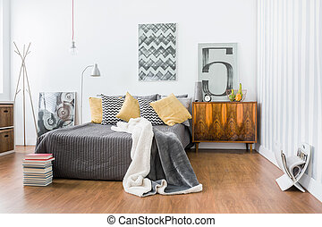 Spacious room with double bed - Photo of spacious room with...