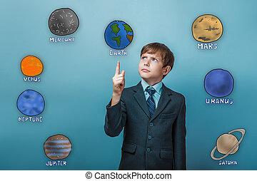 adolescente, niño, en, Un, serio, Traje, puntos, Un,...
