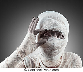 Halloween mummy looks at you - Mummy opens her eyes to see...