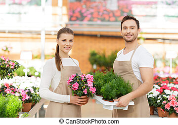 Positive florists working together - Working for you comfort...