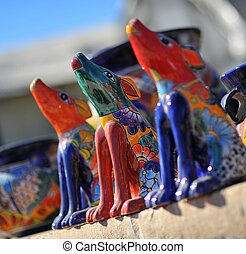 3 Coyotes Howling - Three ceramic coyotes howling