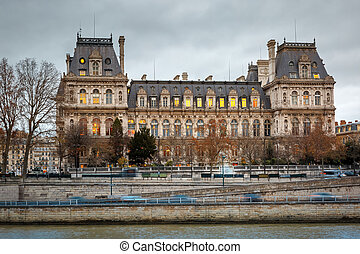 Paris City Hall, Hotel de Ville, in winter - Gloomy...